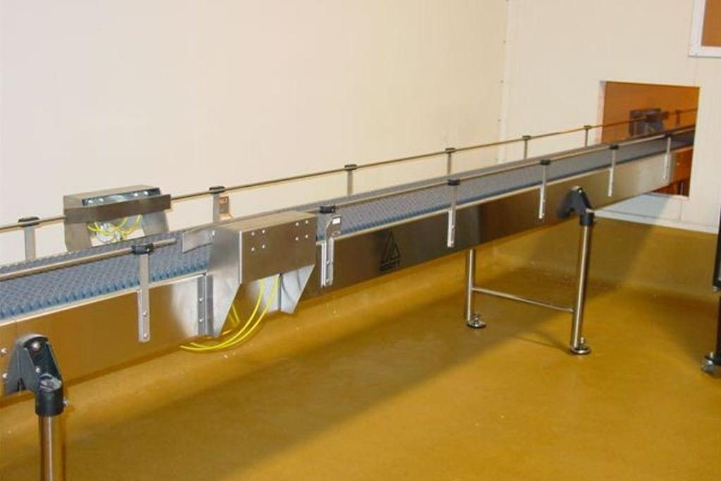Low Back Pressure Chain Conveyor